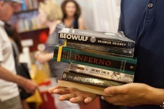 Member-supporter with selected premium thank you gifts - Libros Schmibros Aniversario 2013