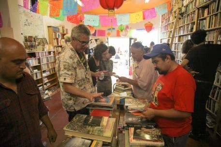 4th Aniversario 2014 - Libros Schmibros - photo #238